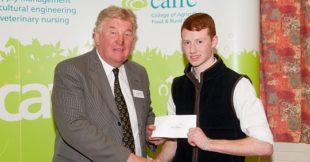 Harold Lusk on behalf of Giltspur Scientific Ltd presenting Mark Nolan with his bursary