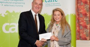 Laurel Cahoon, Bangor, Co.Down receives the Irish Farmers Journal Bursary from Leo Powell representing the sponsors