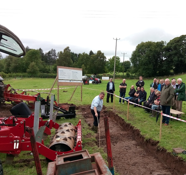 CAFRE adviser Trevor Alcorn discussing the alleviation of compaction.