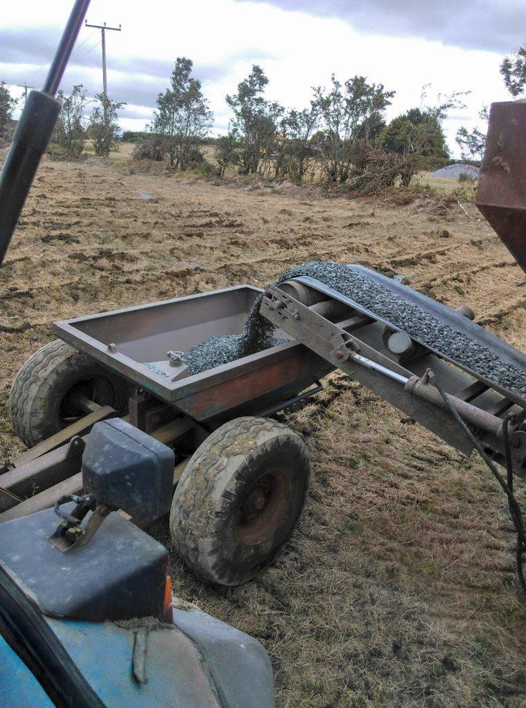 Gravel-tunnelling-mole-plough